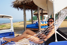 jetwing lagoon beach pool tuk tuk